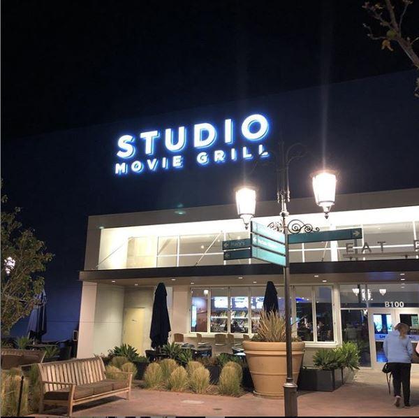 Studio Movie Grill Simi Valley